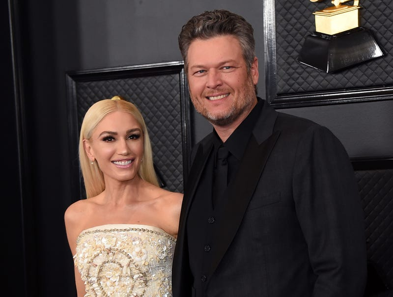 People Gwen Stefani and Blake Shelton