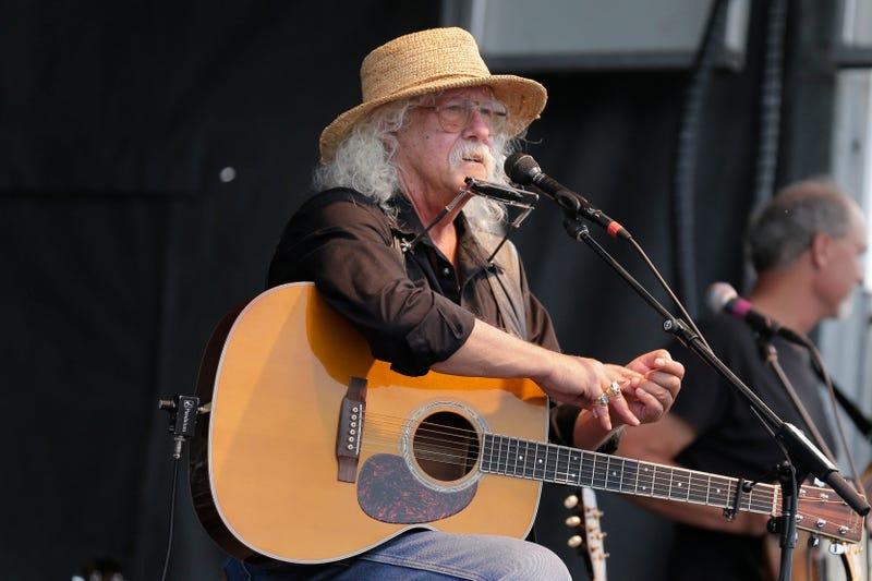 Arlo Guthrie Retires