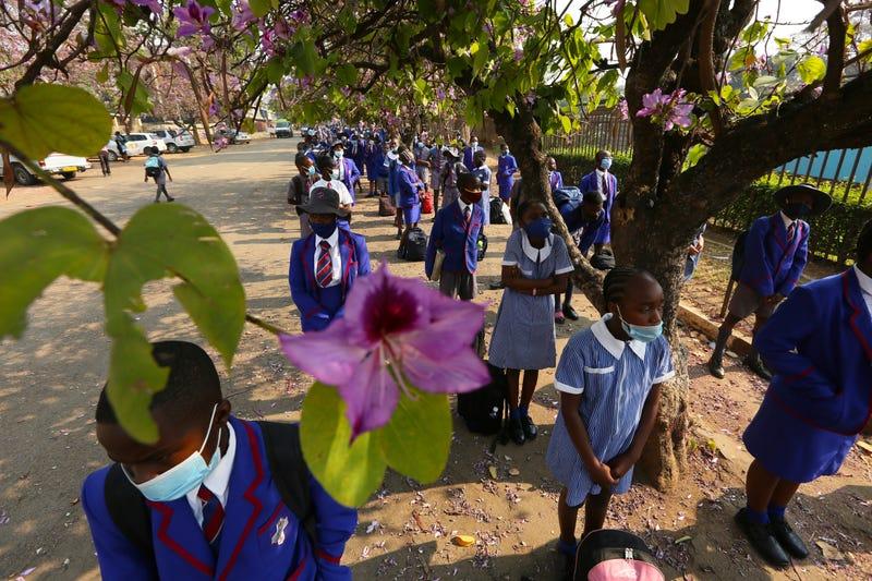 APTOPIX Virus Outbreak Zimbabwe Schools Open