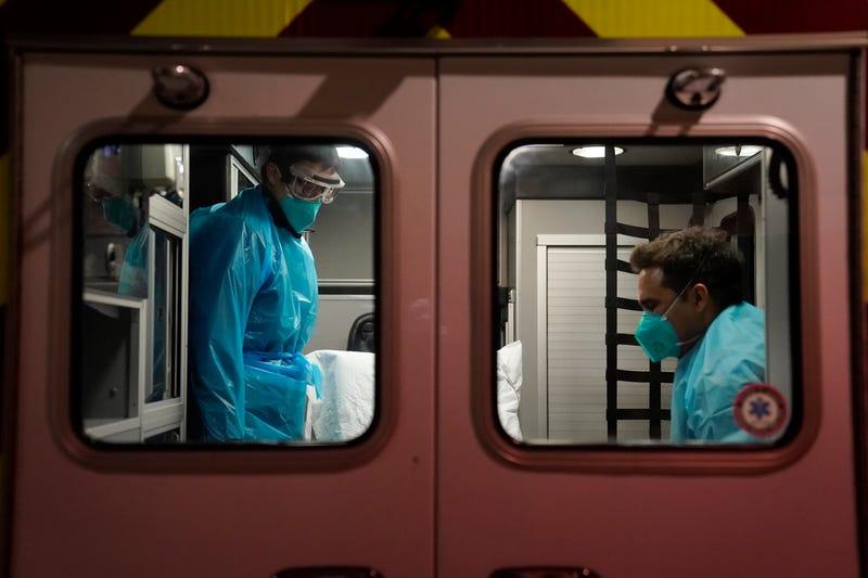 APTOPIX Virus Outbreak California EMTs