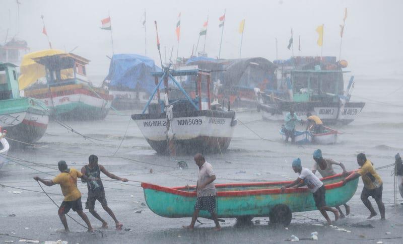 APTOPIX India Cyclone