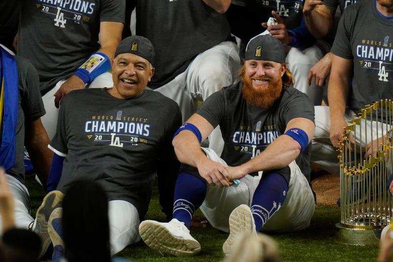 Dodgers Roberts Baseball