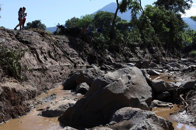 APTOPIX El Salvador Landslide