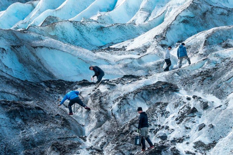 More fragments from 1952 crash in Alaska found in glacier, Associated Press