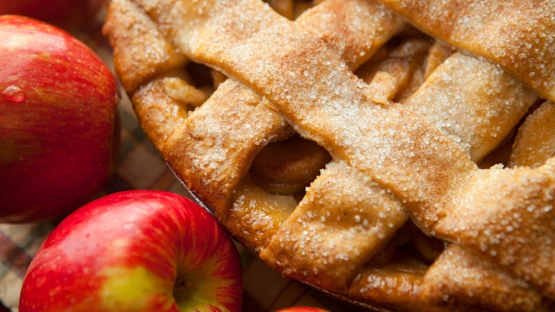 Apple pie and a bunch of apples