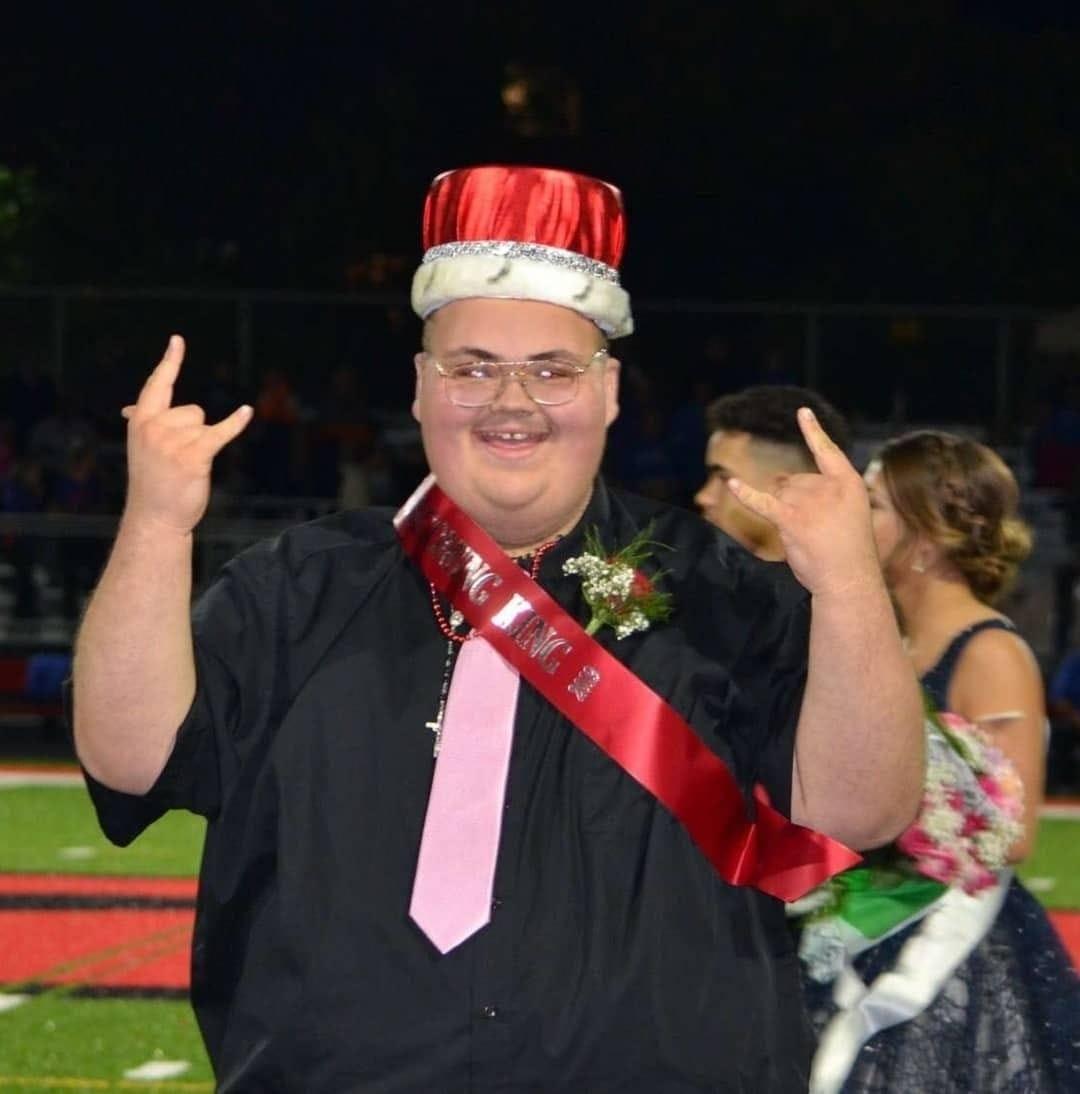 Popular 18-year-old homecoming king dies of COVID in Melvindale