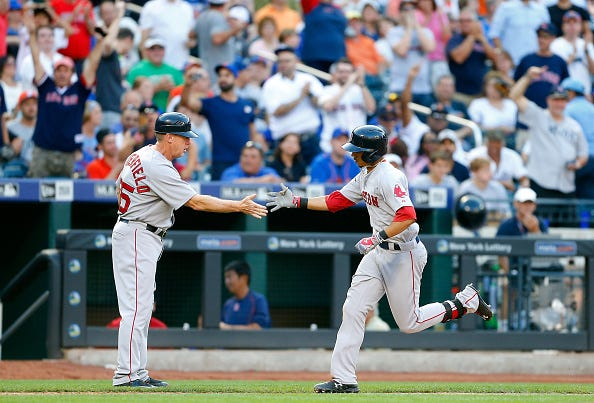 Mookie Betts homers at Citi Field.