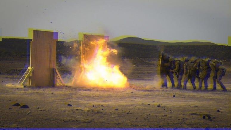 Explosive blast wave