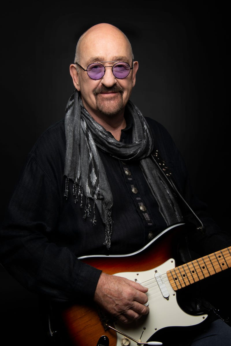 Picture of Dave Mason