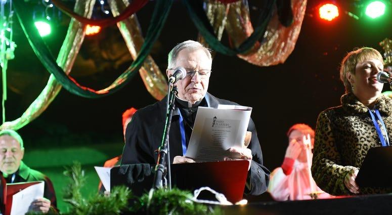 Christmas Caroling In Jackson Square See Photos
