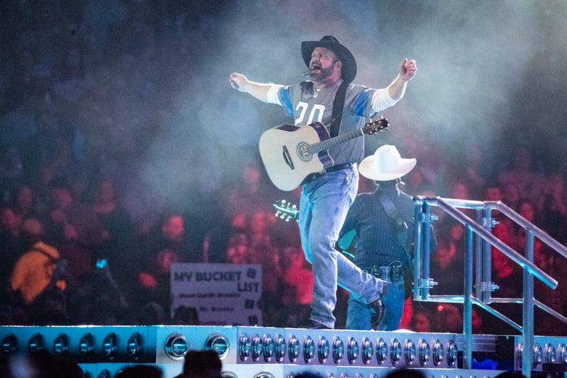 Garth Brooks gallery Ford Field 2020