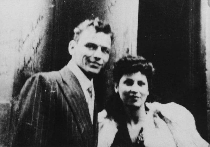 Frank Sinatra and Nancy Sinatra Sr.
