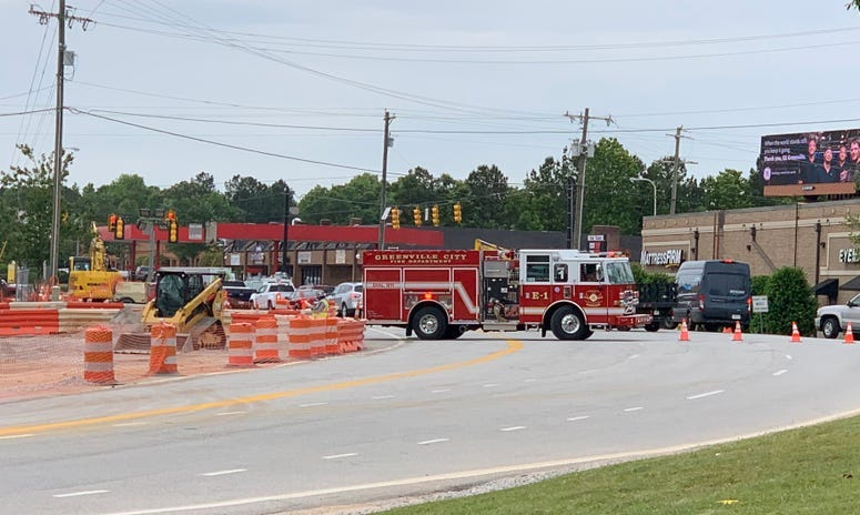 Garlington Road traffic is detoured due to gas line break