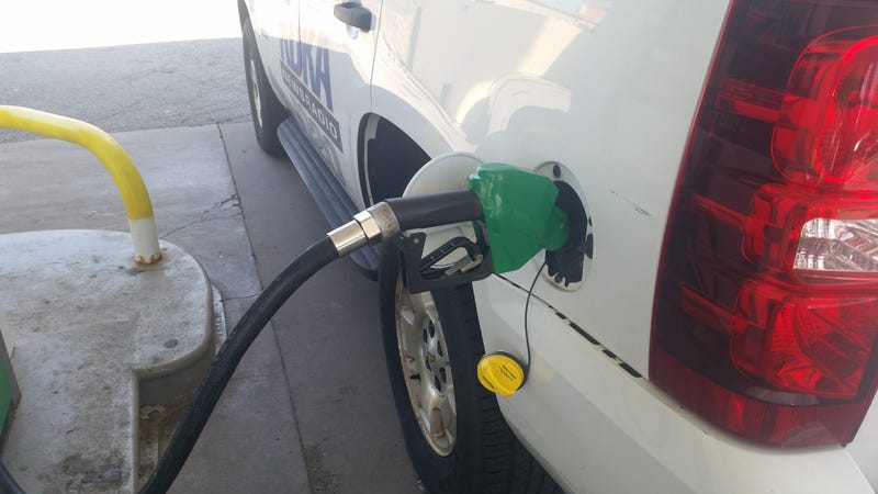 Officials continue to put pressure on the federal EPA to do away with the requirement for less polluting but more expensive summer blend gasoline in Allegheny County.