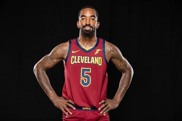 Jugador de la NBA Jr Smith es grabado dando una Paliza a Hombre
