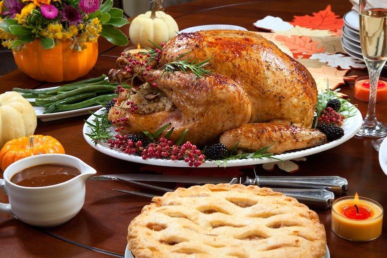 Thanksgiving Dinner, Turkey, Pie, Meal, Table