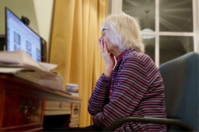 Elderly woman online