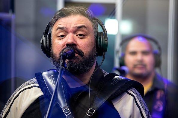 Controversia entre Ricky Muñoz y Carin León!