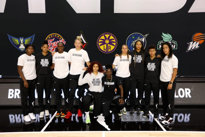 PALMETTO, FL - JULY 25: Members of the New York Liberty gather for a group photo prior to the game against the Seattle Storm on July 25, 2020 at Feld Entertainment Center in Palmetto, Florida.