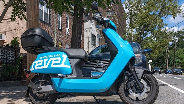Revel moped service returns to NYC with added safety precautions after fatal crashes