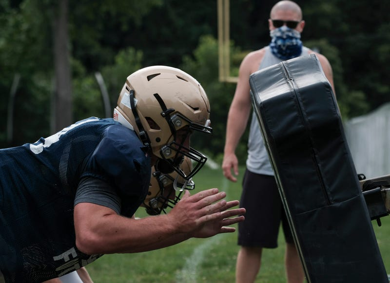 High school football practice amid pandemic