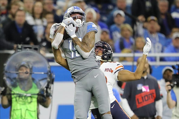 Kenny Golladay hauls in a TD pass for the Lions.