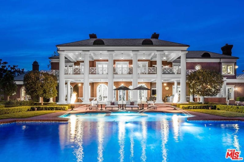 A view of Wayne Gretzky's mansion for sale.
