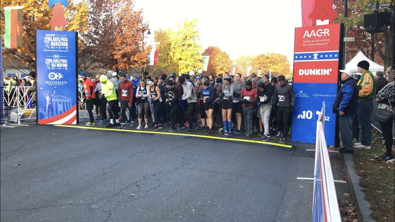 Runners lined up to start the half-marathon.