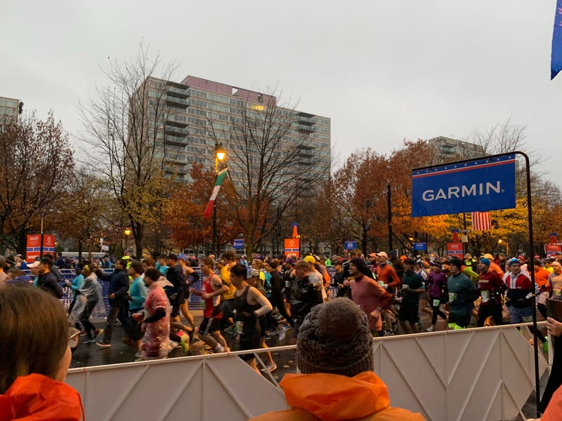 Runners start down the Parkway to kick off the 26.2-mile 2019 Philadelphia Marathon