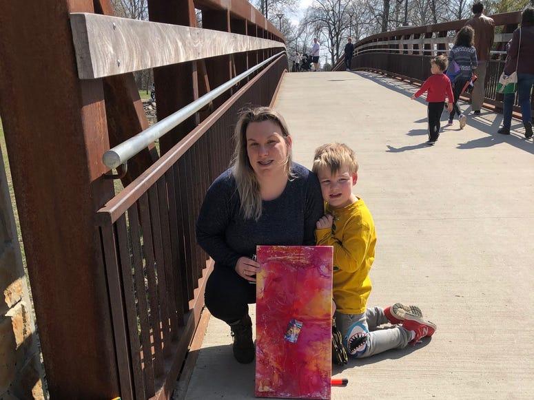 Artist leaves free art in Dodge Park
