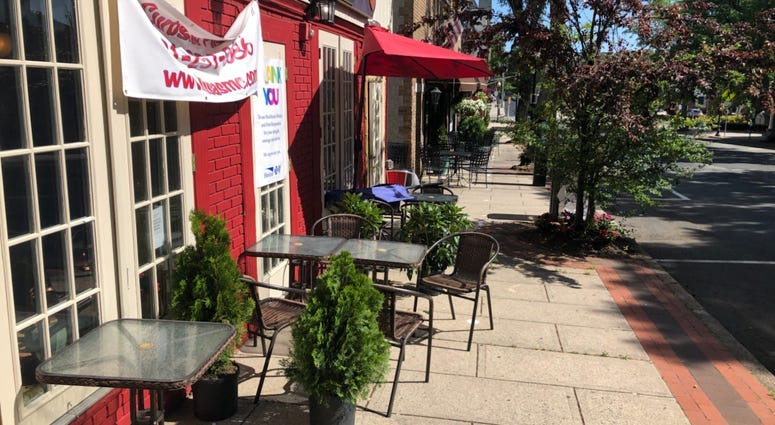 Outdoor dining in New Jersey