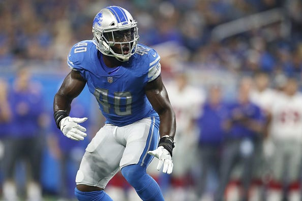Jarrad Davis drops back into coverage for the Lions.