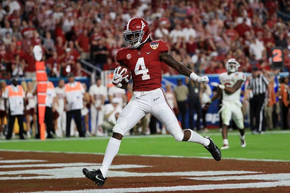 Jerry Jeudy finds the end zone for Alabama.