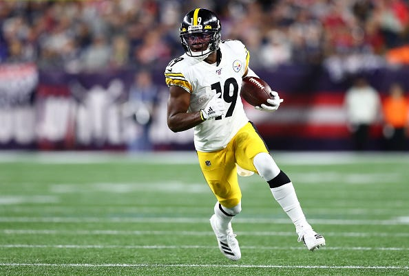 JuJu Smith-Schuster breaks free down the field for the Steelers.