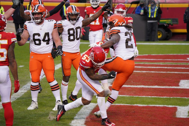 Cleveland Browns running back Kareem Hunt scores a touchdown against the Kansas City Chiefs during the second half in the AFC Divisional Round playoff game at Arrowhead Stadium.