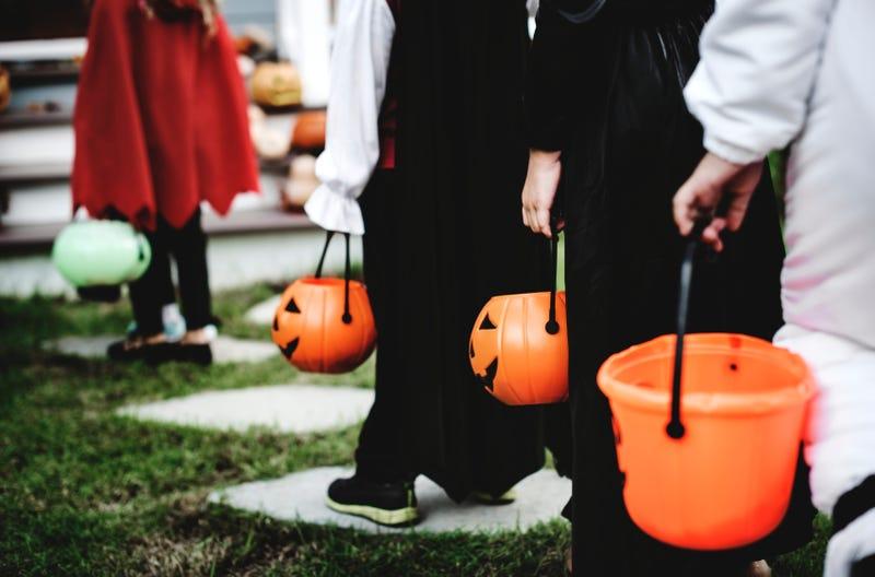 Cover Show Oakland Halloween 2020 Polls Show Majority Still Plan To Celebrate Halloween