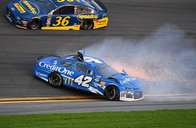 Kyle Larson Kurt Busch And Jamie Mcmurray All Caught Up In Wrecks At Daytona 500