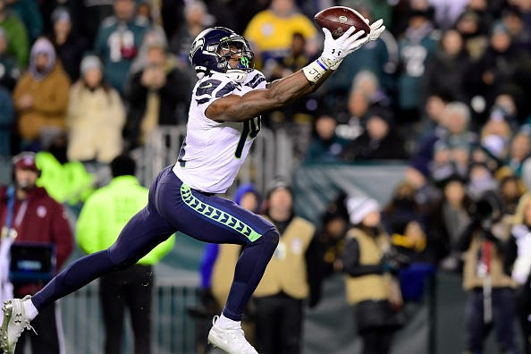 D.K. Metcalf hauls in a catch for the Seahawks.
