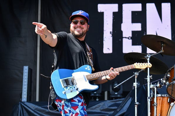 Mitchell Tenpenny, Neon Christmas, Holiday, EP,