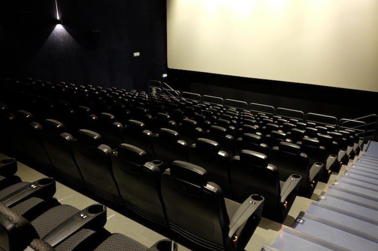 Netflix Considering Purchasing Theater Chain