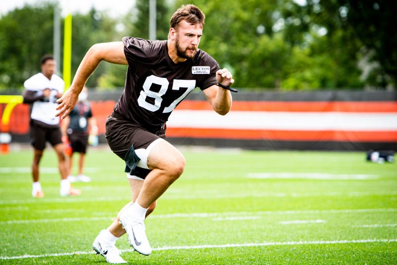Cleveland Browns tight end Nate Wieting