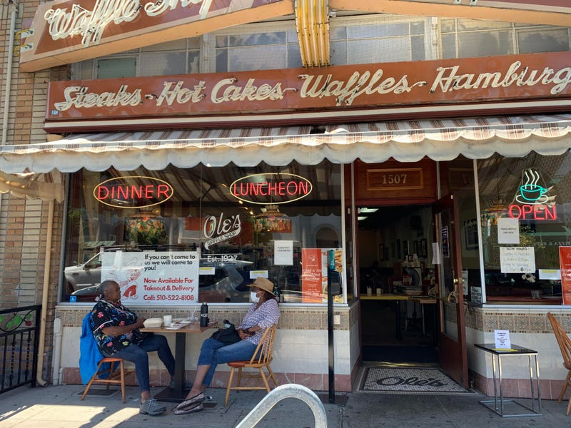 Owners of Ole's Waffle Shop in Alameda sell retirement home to avoid layoffs