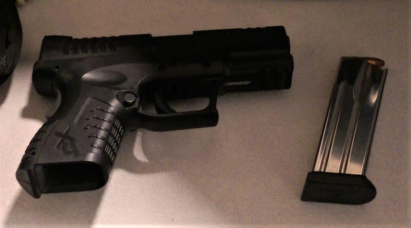 Loaded Handgun caught at Pittsburgh International Airport
