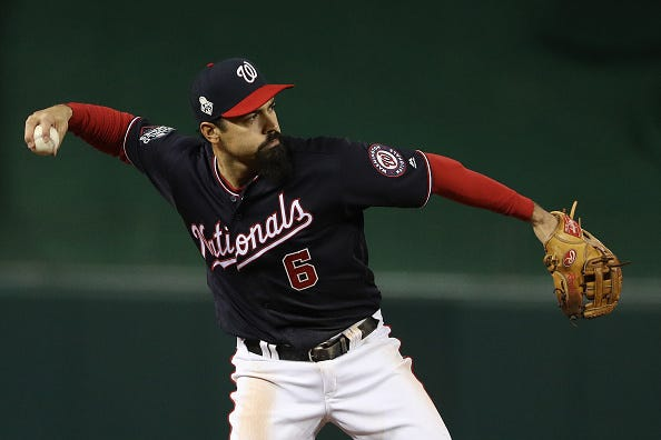 Anthony Rendon field a ball at third base in the World Series.