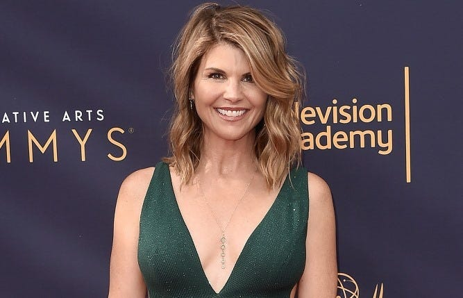 LOS ANGELES - SEPTEMBER 8: Lori Loughlin the 2018 Creative Arts Emmy Awards at the Microsoft Theater on September 8, 2018 in Los Angeles, California