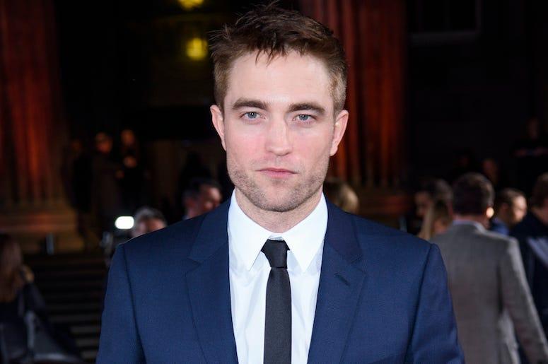 Robert Pattinson, Red Carpet, Pronounced Jaw, Blue Suit, 2017