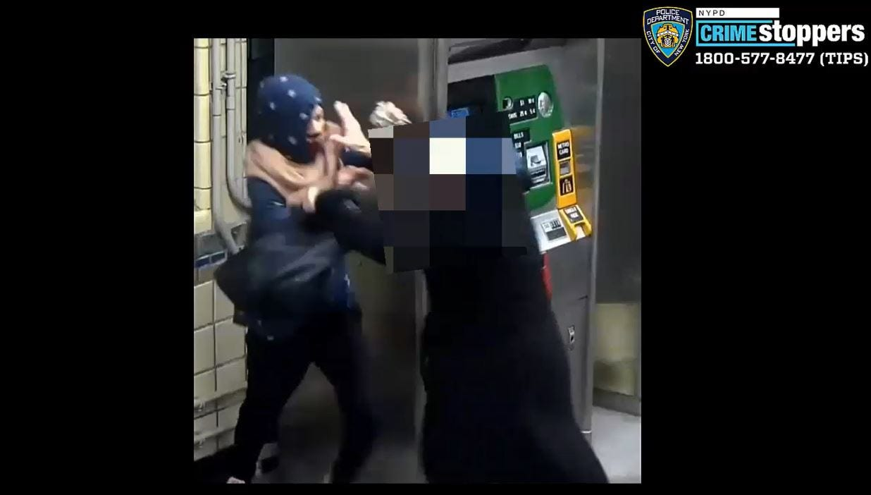Woman thrown to ground, beaten in attempted robbery at Brooklyn subway station
