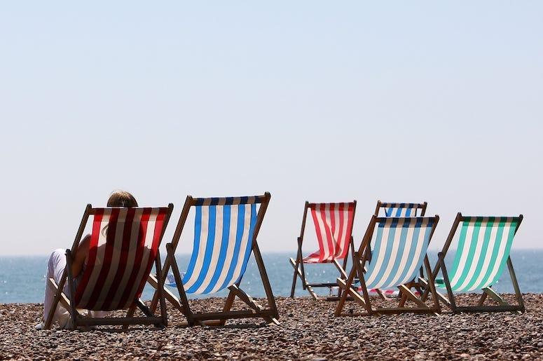 summer beach cbe555b1 1e5c 4f59 b98c e53924d0fad8.
