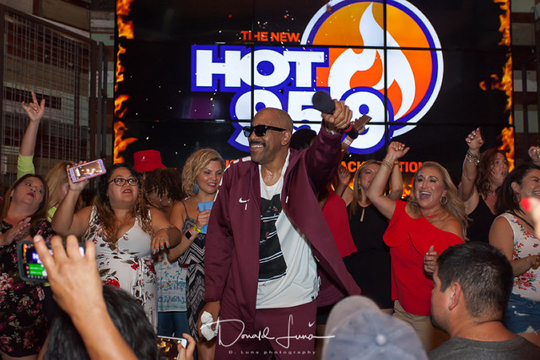 hot 959 throwback throwdown