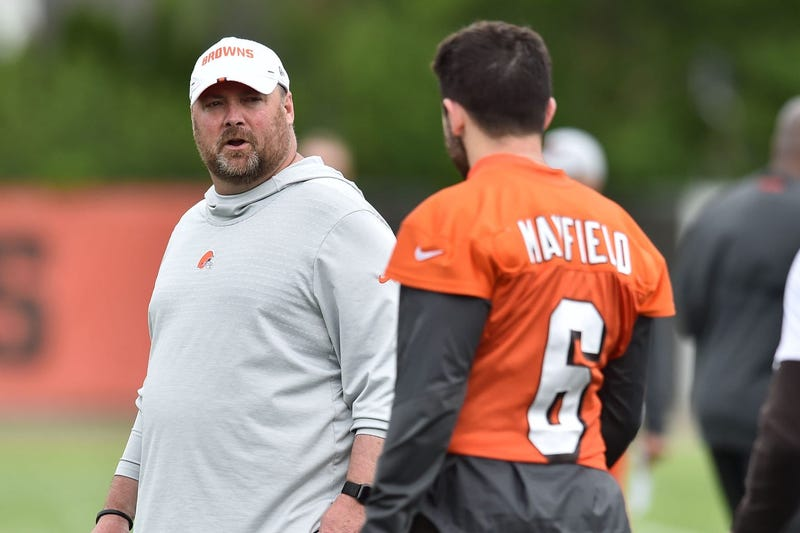 Cleveland Browns head coach Freddie Kitchens talks to quarterback Baker Mayfield (6) during minicamp at the Cleveland Browns training facility.